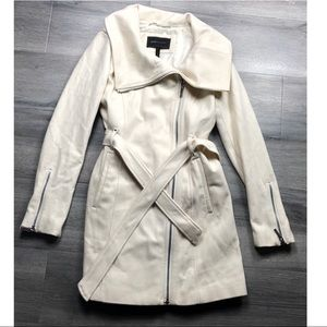 BCBGMAXAZRIA coat elegant full zip off white wool